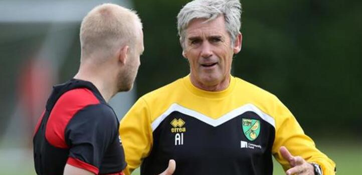 Alan Irvine speaking to Stephen Naismith