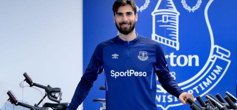 Gomes started yesterday's game against Manchester United at Goodison