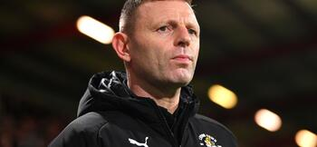 Luton Town sack Jones and trio of assistants