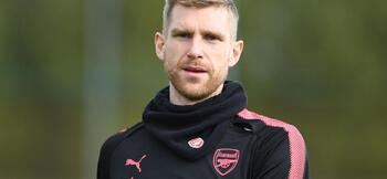 Per Mertesacker: Every player should be a leader - of themselves