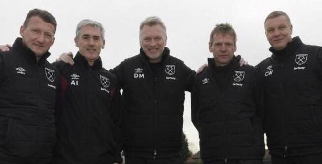 Left to right: Billy McKinlay, Alan Irvine, David Moyes, Stuart Pearce and Chris Woods