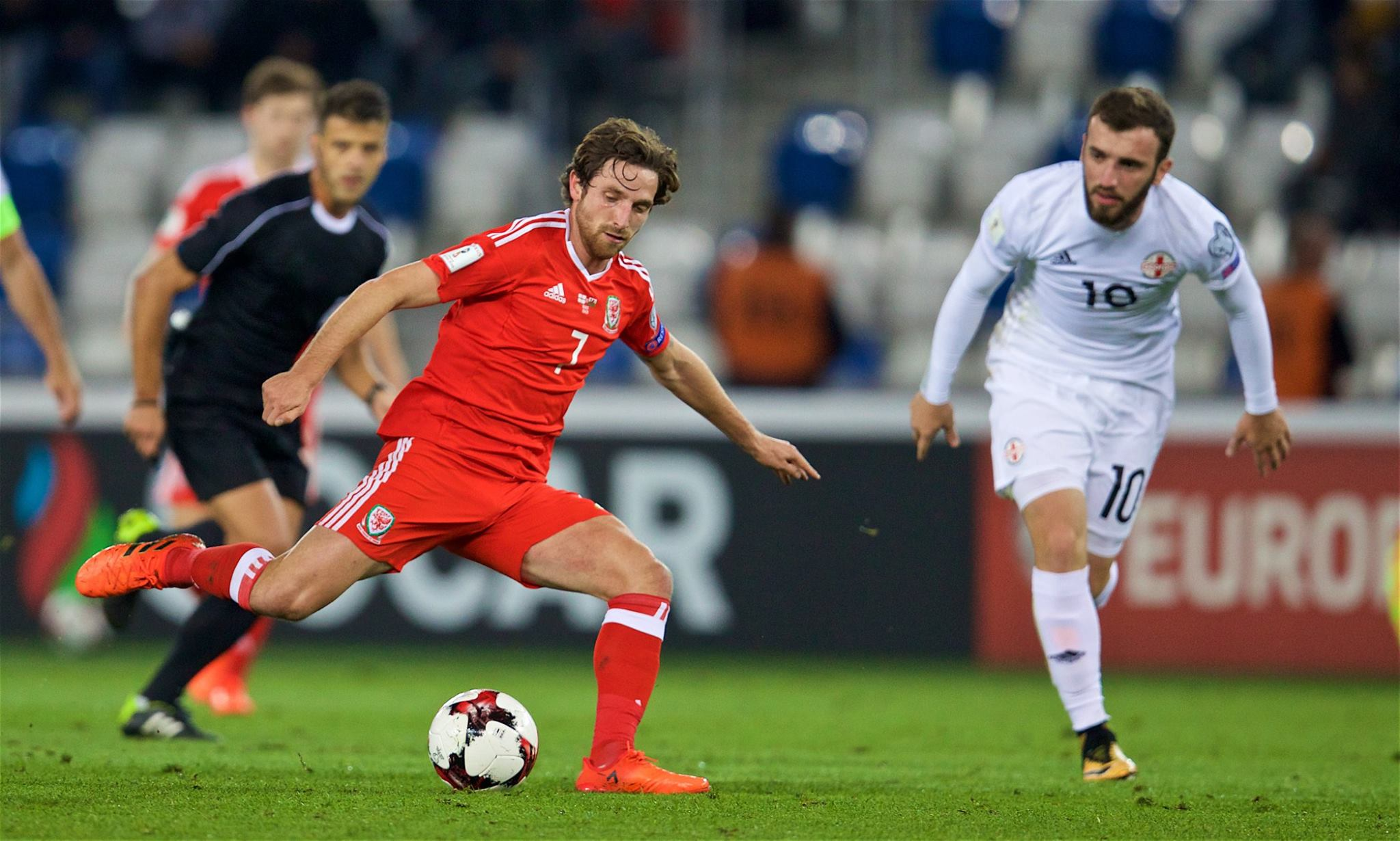 Joe Allen's physical profile is very different to that of Gareth Bale
